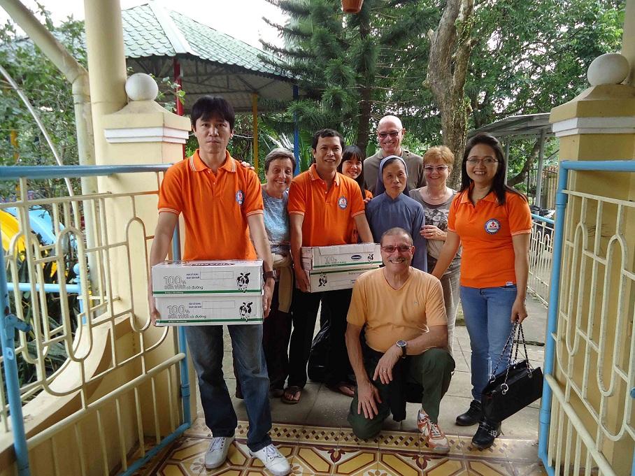 Một ngày hạnh phúc ở  tu viện làng Thủy Biều 03/01/2013
