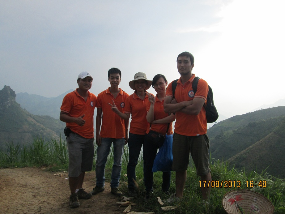 Chào mừng năm học mới tại Khau Dề (08/2013)