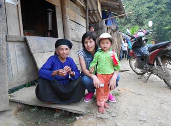 Assistenza per la nuova scuola del villaggio di En Co (provincia Cao Bang), agosto 2011
