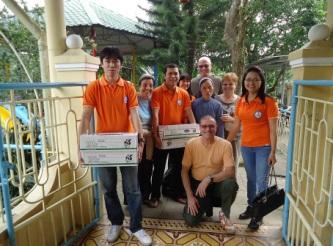 Ein lebhafter Ausflug zur Waisenschule Thuy Bieu in Hue
